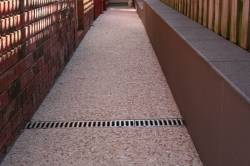Side path with aggregate concrete and drain