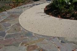 Aggregate as an edge to stone paving